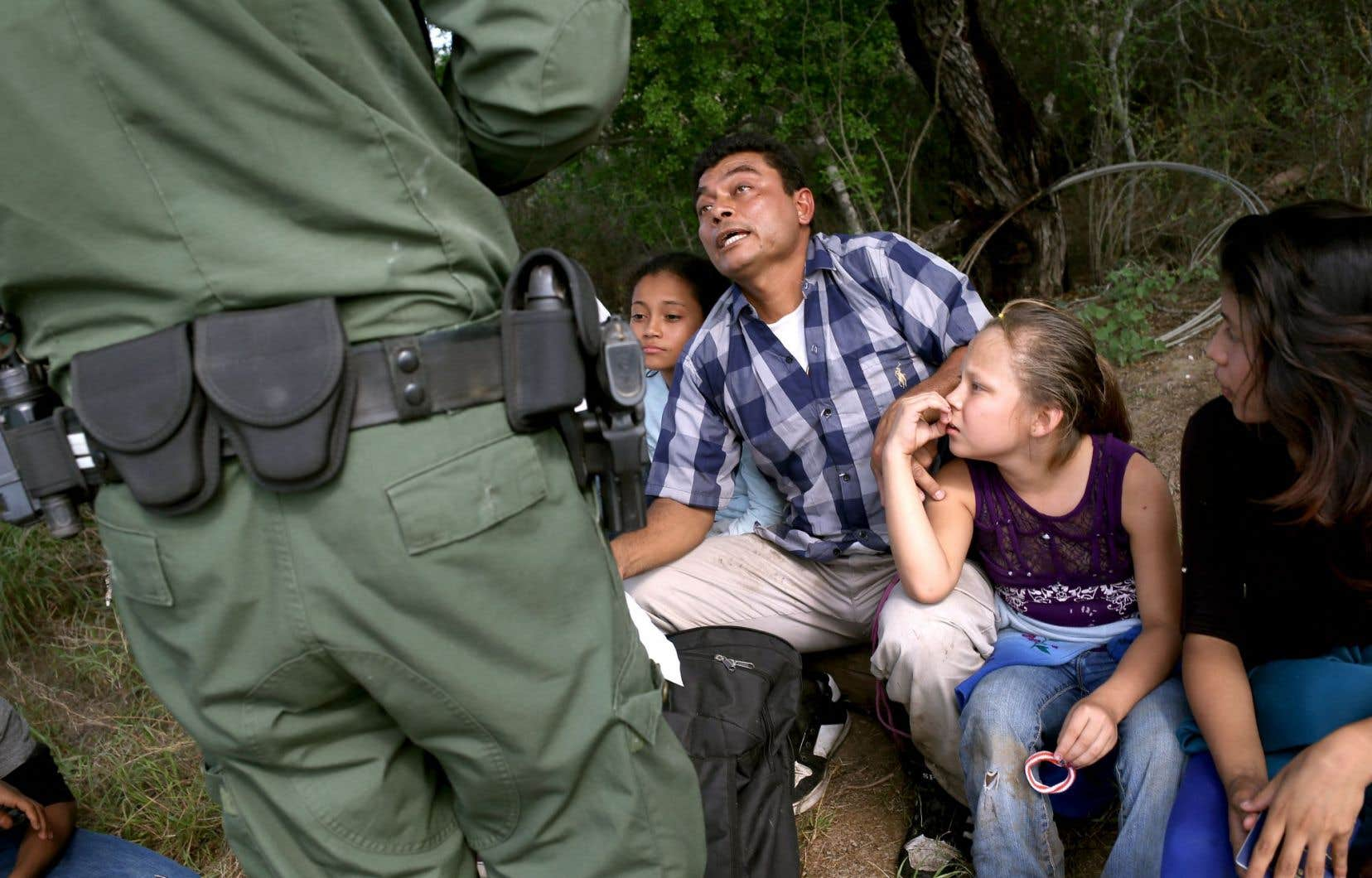 Le nombre d'immigrants illégaux venus d'Amérique centrale aux États-Unis a fortement augmenté ces derniers mois.