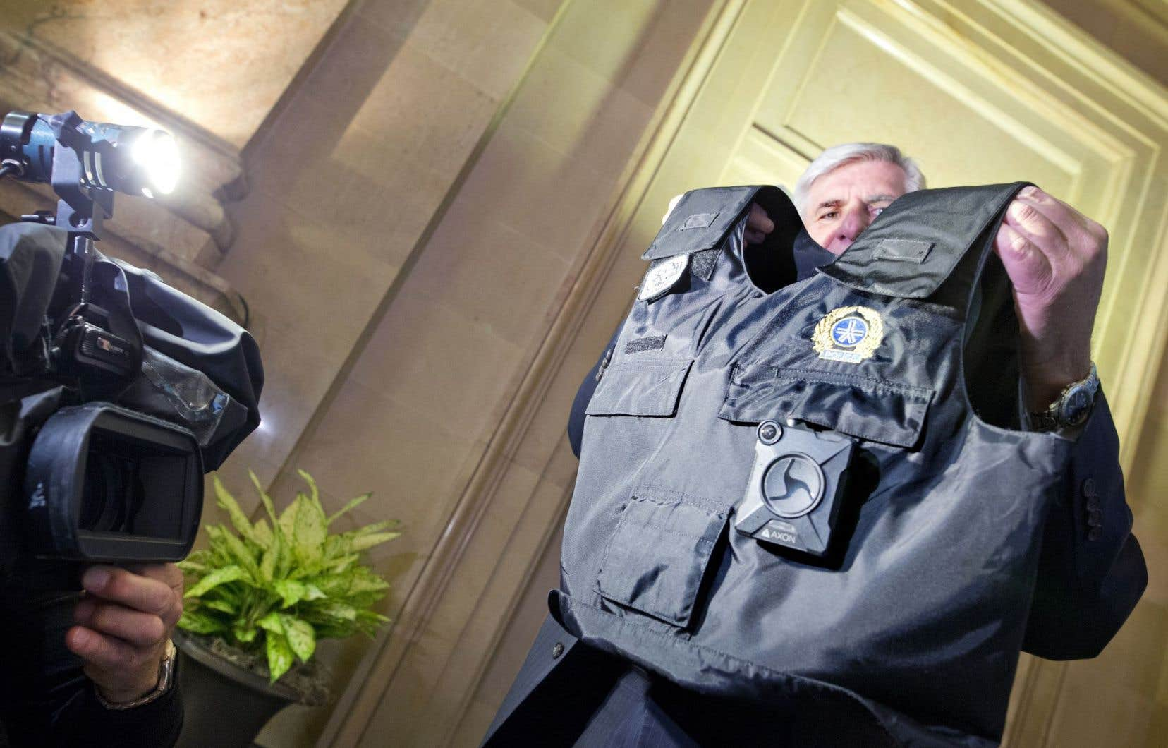 Si le projet est accepté, des caméras portatives seront fournies à tous les policiers du SPVM, graduellement, à partir de 2018.