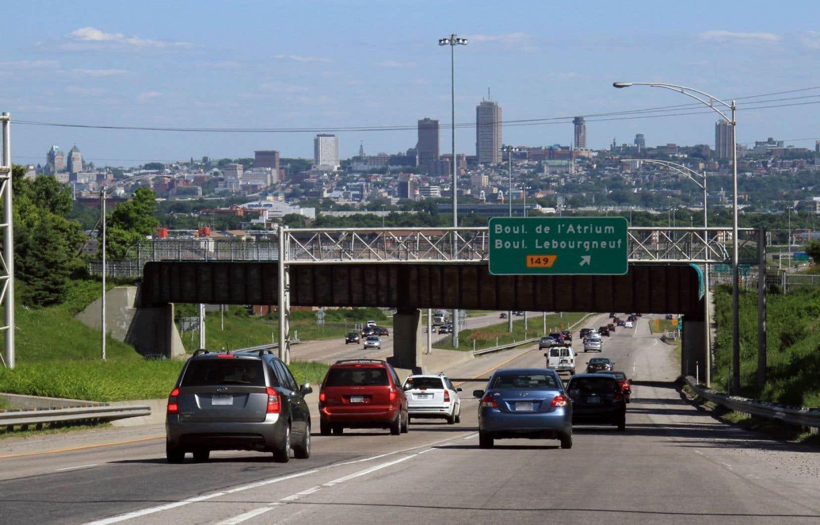 L'autoroute Laurentienne en direction sud, à Québec