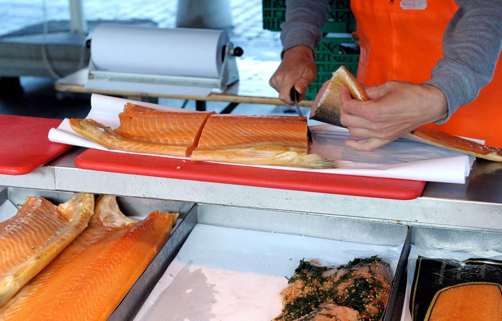 Les risques de consommer du saumon génétiquement modifié sont peut-être nuls ou infimes pour la santé, mais alors, pourquoi ne pas l'étiqueter comme OGM?
