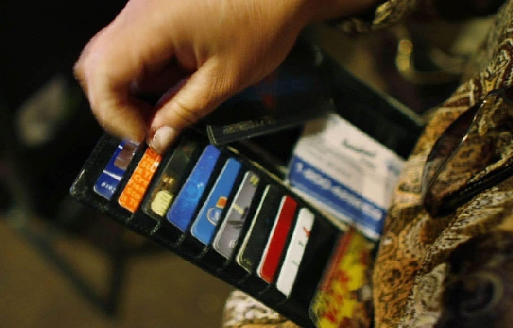 La dette des ménages, sous forme de prêts hypothécaires et de crédit à la consommation, a continué d'augmenter au troisième trimestre.