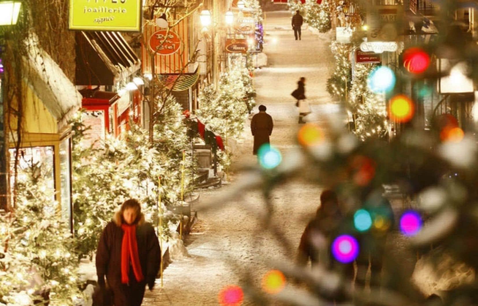Le quartier du Petit Champlain, à Québec, dans son flamboyant décor de Noël.
