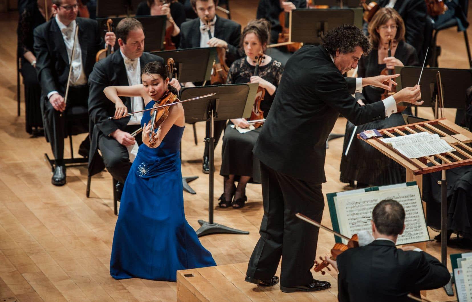 La Japonaise Ayana Tsuji, 18 ans, impressionne: elle se lance dans une sorte de peinture du «Concerto» de Sibelius avec des couleurs saturées.