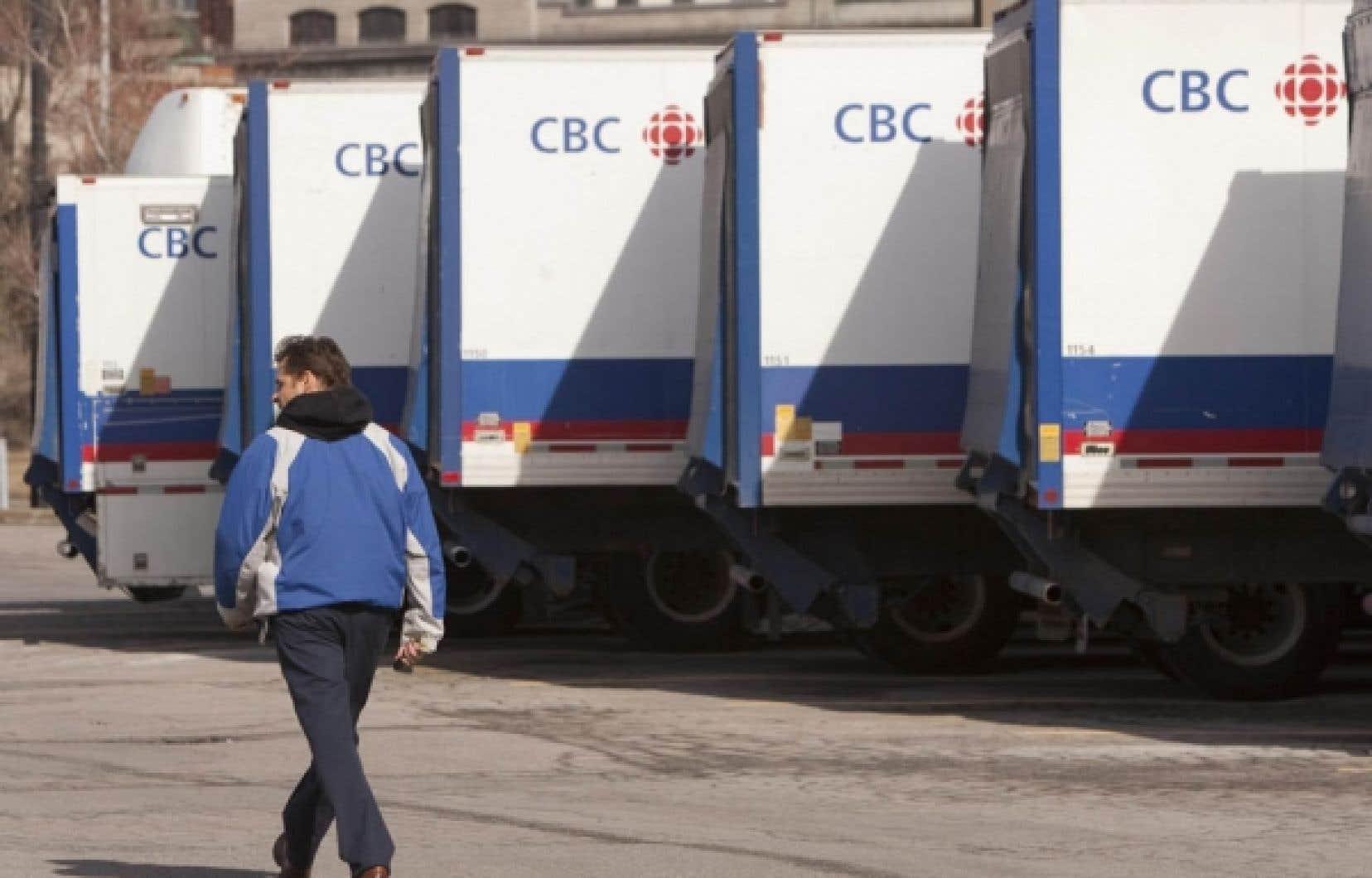 Ces derniers mois, Radio-Canada et CTV ont annoncé à eux seuls la suppression de plus de 1000 emplois.
