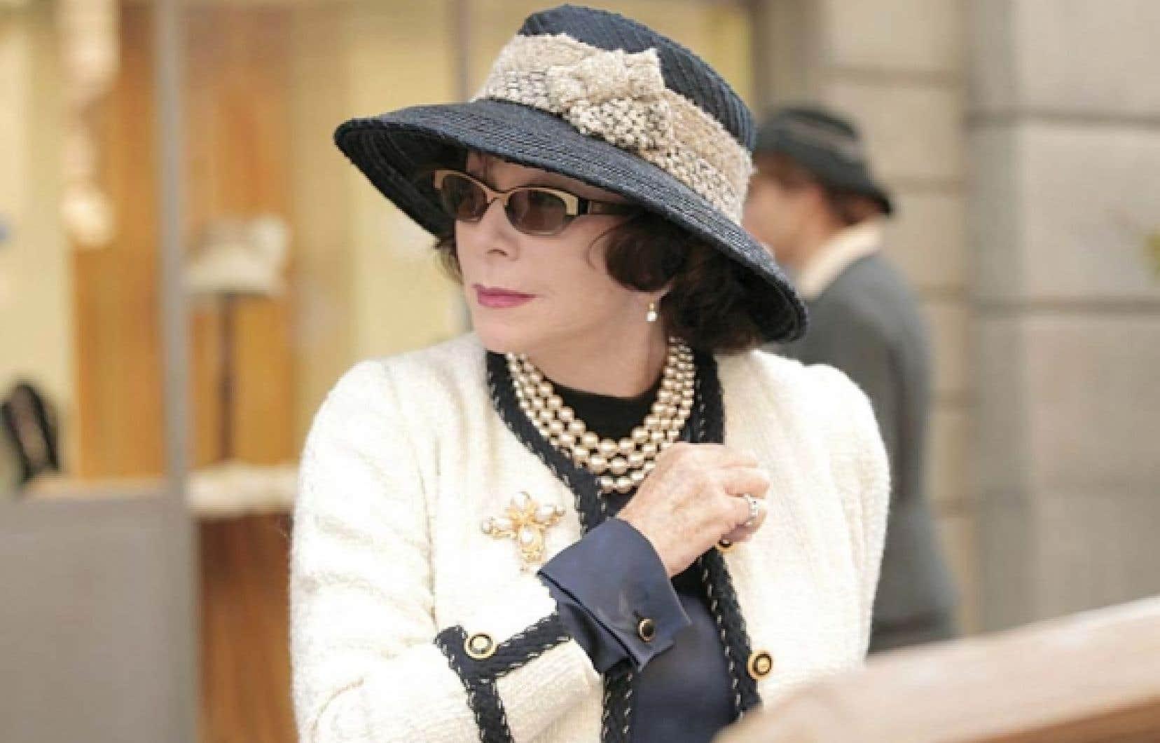 Shirley MacLaine dans le rôle de Coco Chanel à 71 ans
