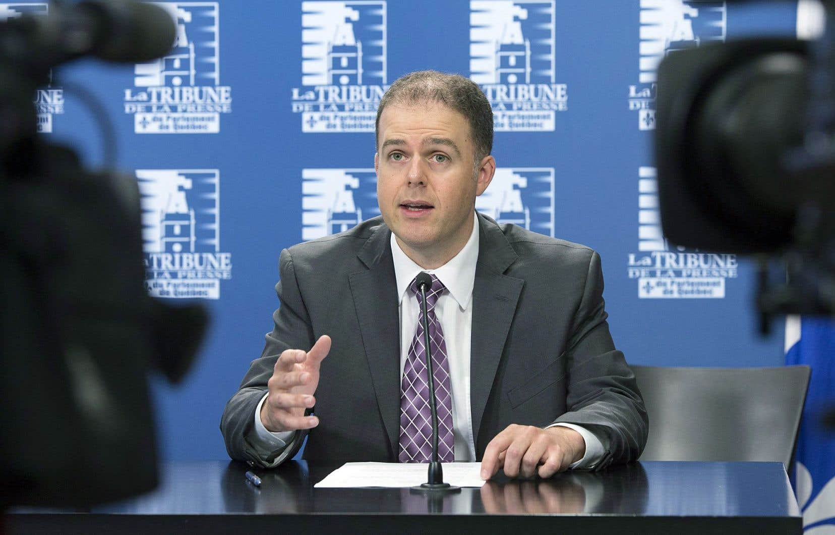 Le président-directeur général de Pétrolia, Alexandre Gagnon, a justifié sa décision en dénonçant l'attitude du gouvernement, qu'il a accusé d'avoir multiplié les «déclarations négatives» au cours des derniers mois.