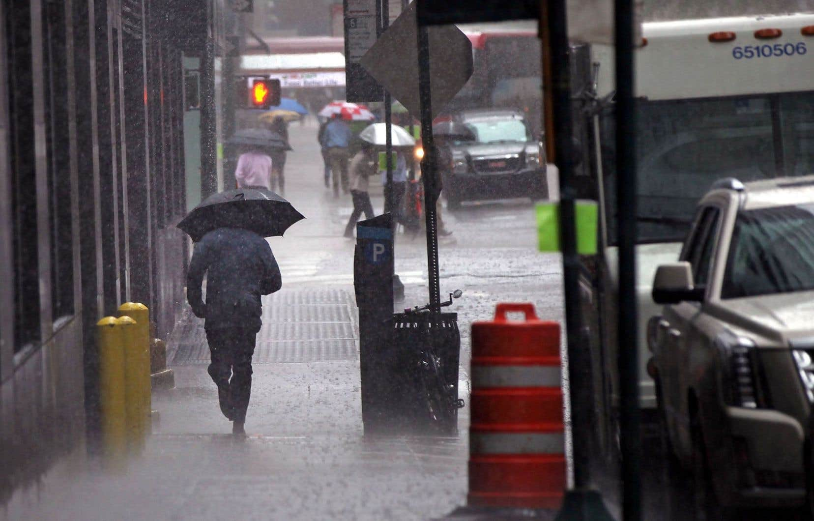Des pluies diluviennes s'abattent de plus en plus souvent sur New York.