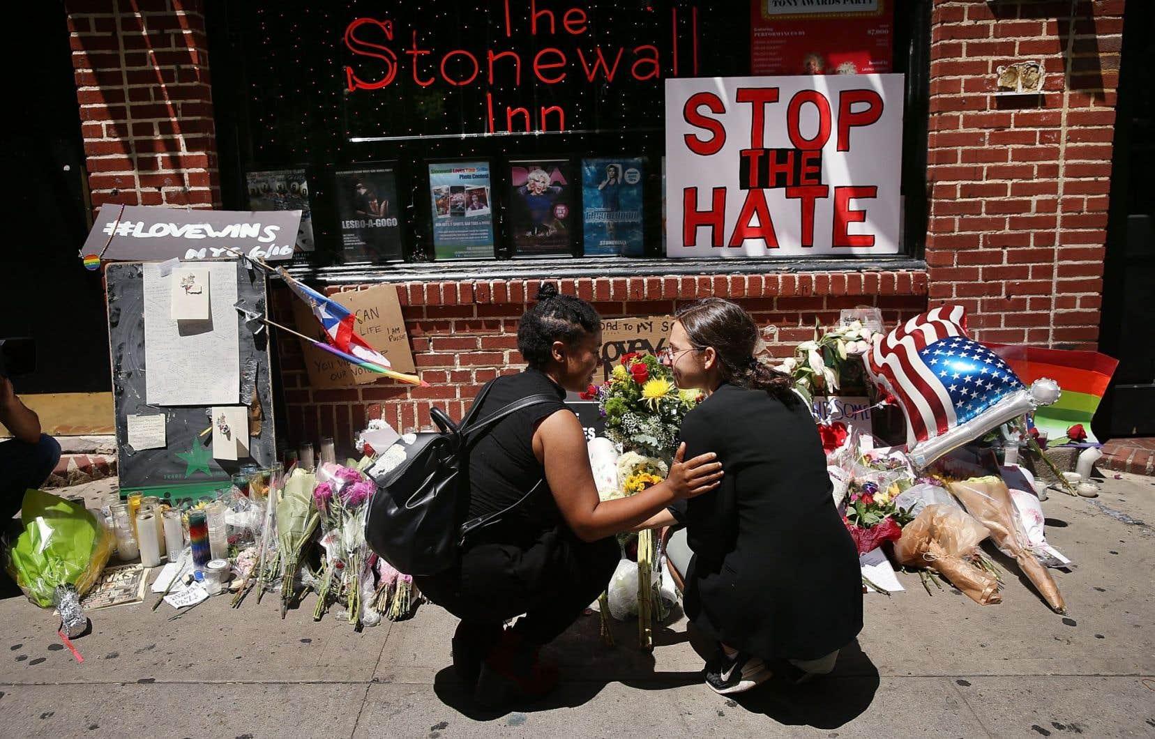 Des élans de solidarité envers la communauté homosexuelle se sont manifestés partout aux États-Unis, notamment à New York.