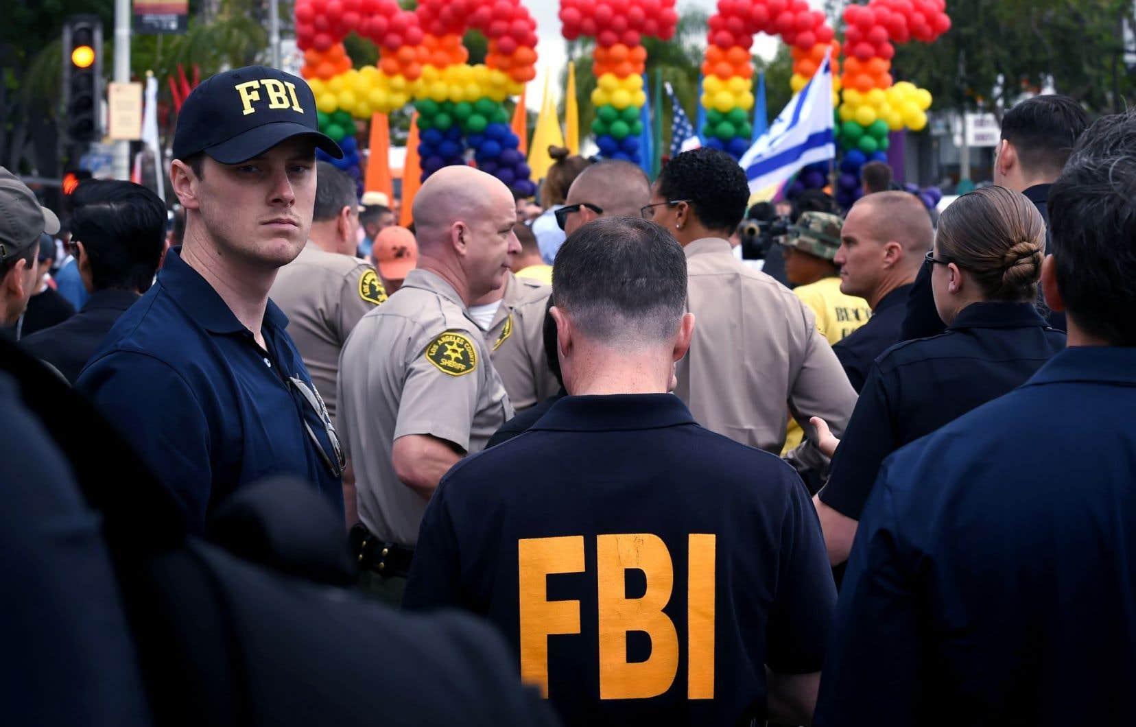 «Je ne trouve rien, en revoyant notre travail, qui indique que nos agents auraient dû agir différemment», a affirmé le directeur du FBI, James Comey.