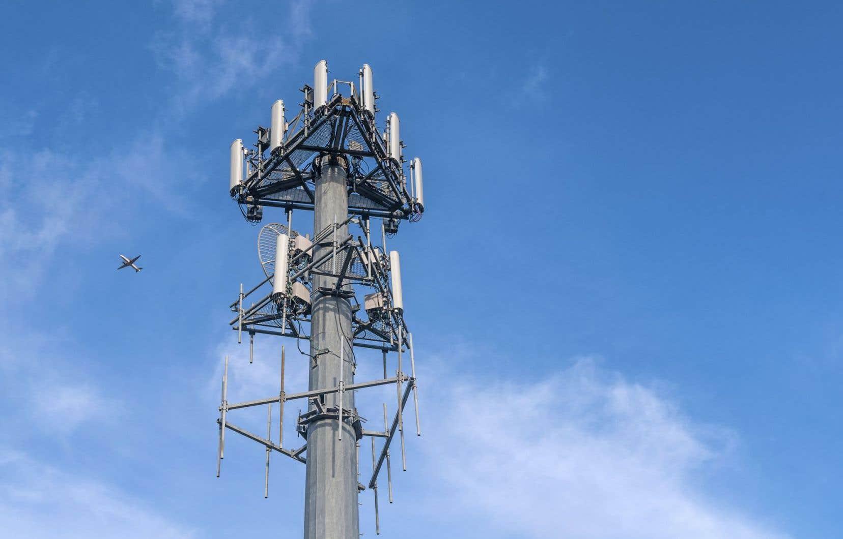 L'affaire remonte à 2007, lorsque Rogers décide d'ériger une antenne à Châteauguay pour son réseau de téléphonie sans fil.