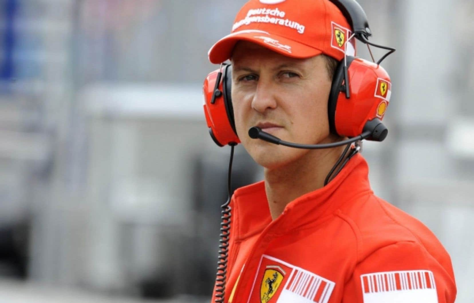 Mercedes aurait offert un salaire annuel de sept millions d'euros à Michael Schumacher.