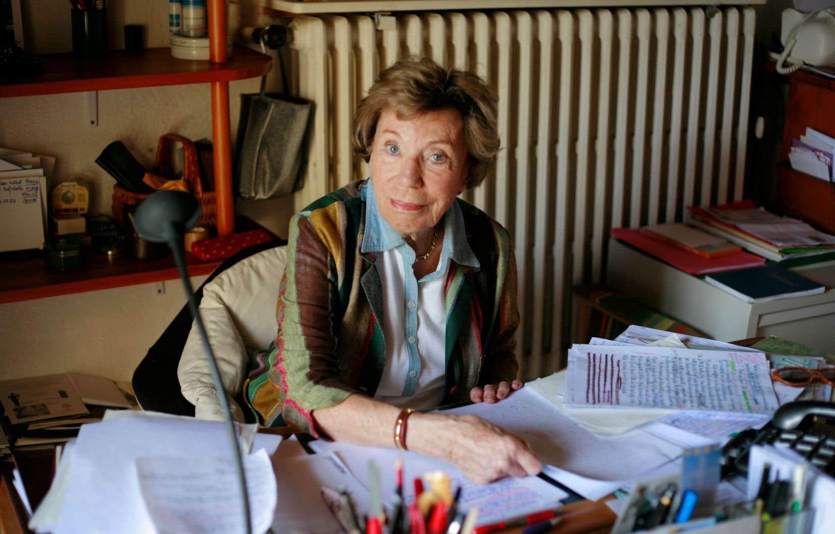 Benoîte Groult a participé à la féminisation des titres en français et est l'auteure de plusieurs ouvrages.