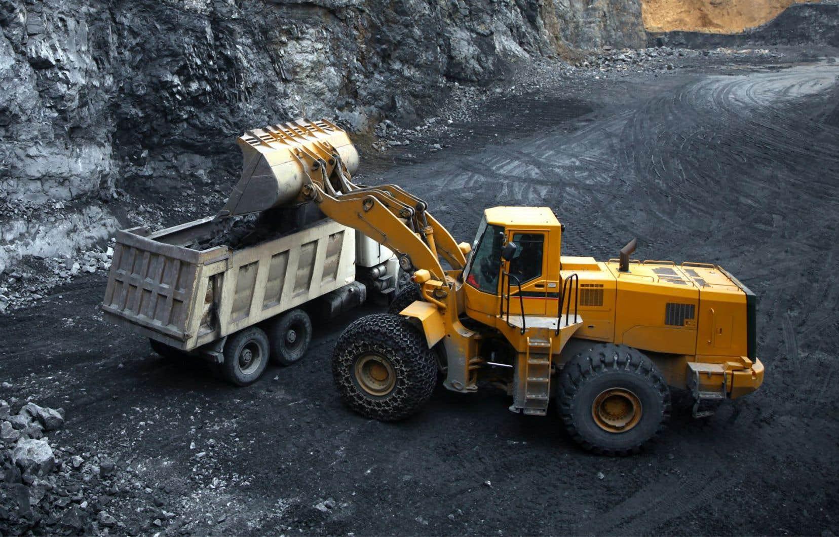 Une partie de la production du projet minier Matawinie,à Saint-Michel-des-Saints, pourrait fournir le graphite nécessaire à l'assemblage de batteries au lithium-ion, qui alimentent les voitures électriques.