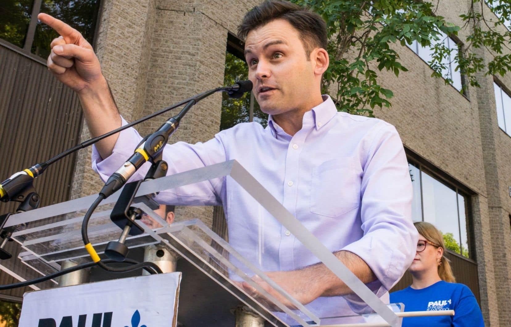 Le militant souverainiste Paul St-Pierre Plamondon a récolté les 1500 signatures nécessaires pour officialiser sa candidature.