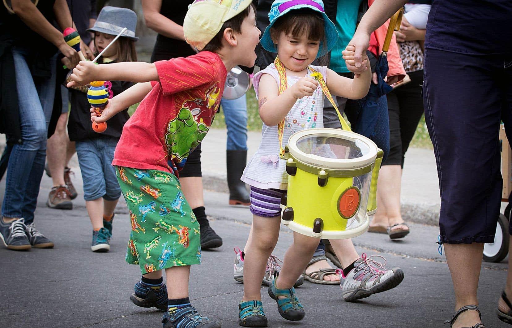 L'étude intitulée «L'Allocation canadienne pour enfants: de la promesse à sa mise en place» souligne d'abord les bienfaits de cette allocation fédérale fourre-tout.