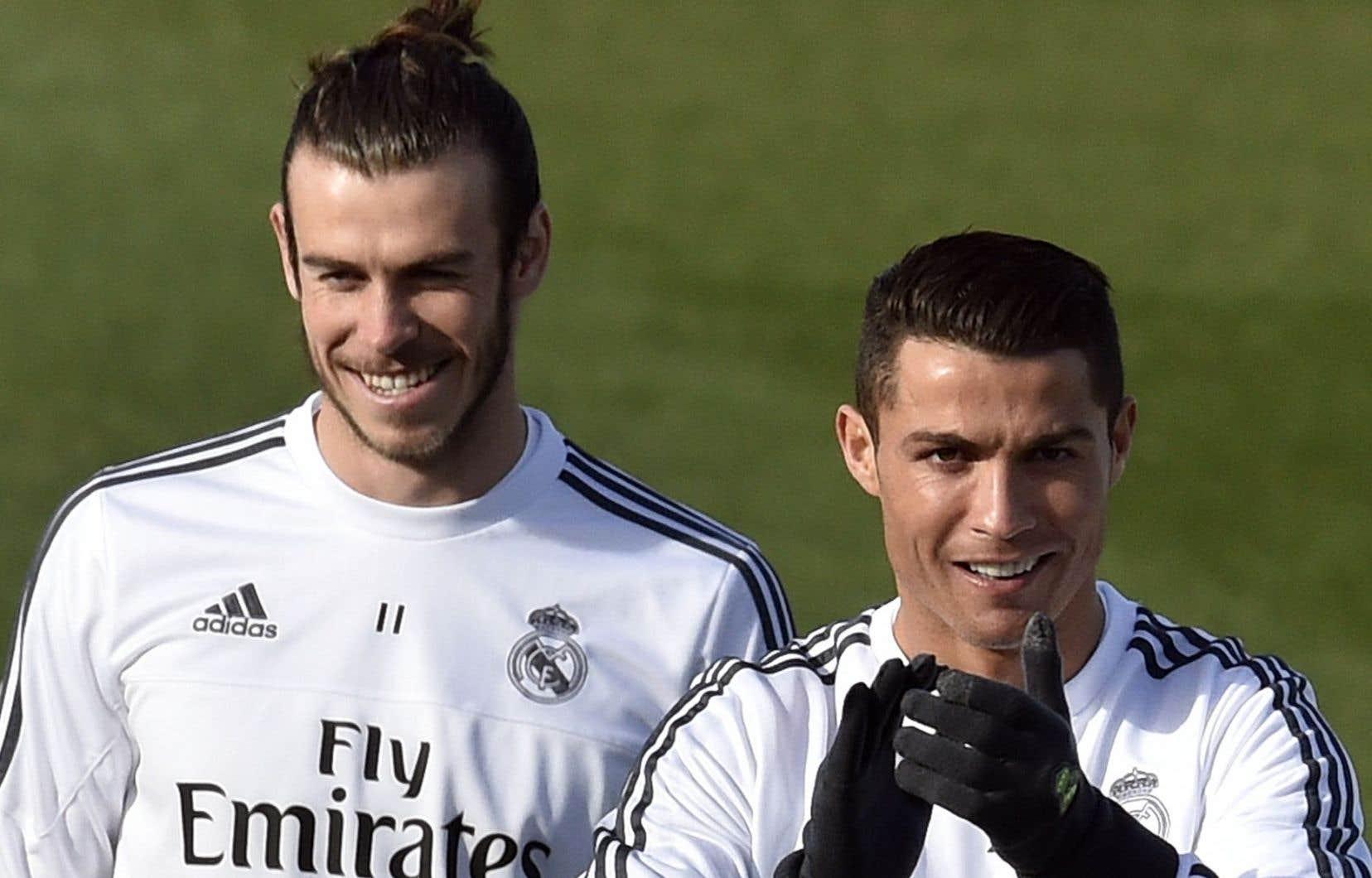 Les attaquants Gareth Bale et Cristiano Ronaldo sont coéquipiers au sein du Real Madrid.