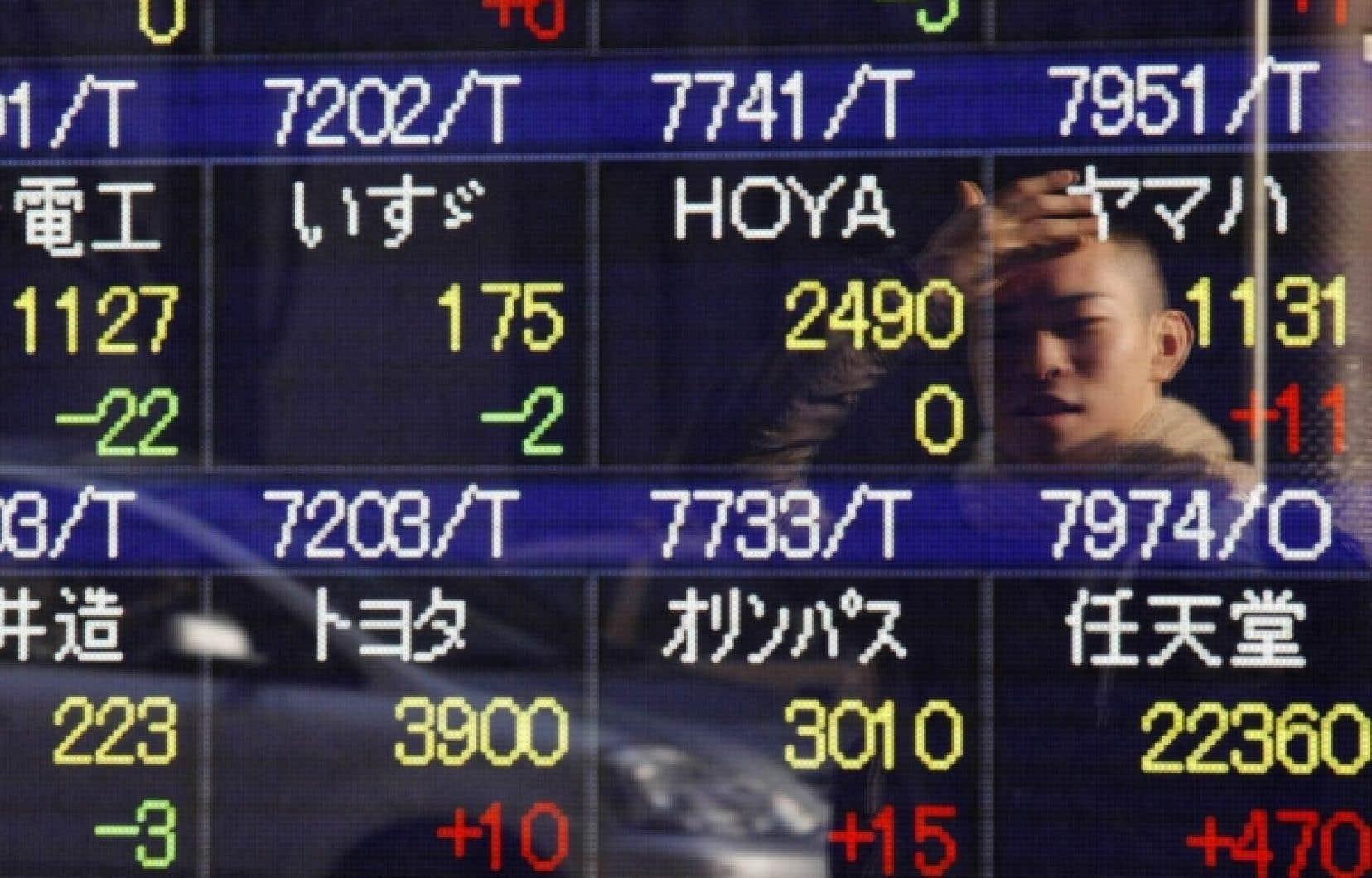 Selon un analyste de Moody's, les investisseurs pourraient éventuellement exiger une prime de risque pour financer les déficits.