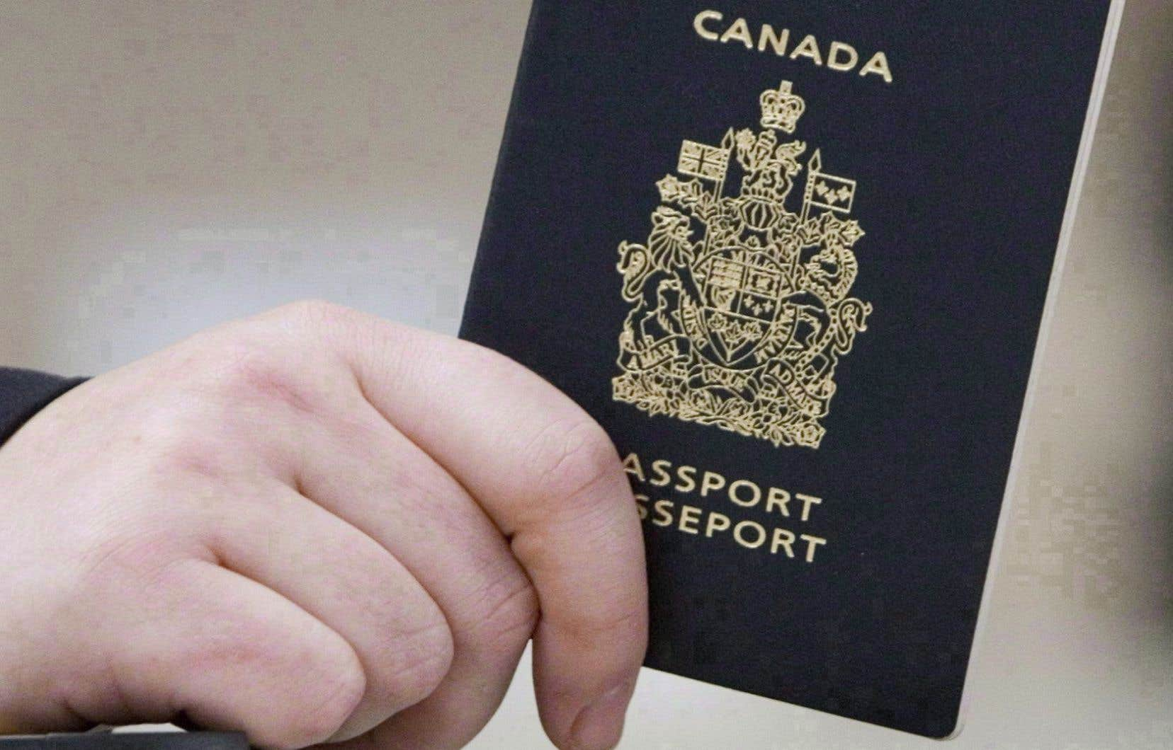 Déjà en 2012, Passeport Canada disait s'interroger sur la pertinence d'inscrire le sexe du détenteur sur son document de voyage.