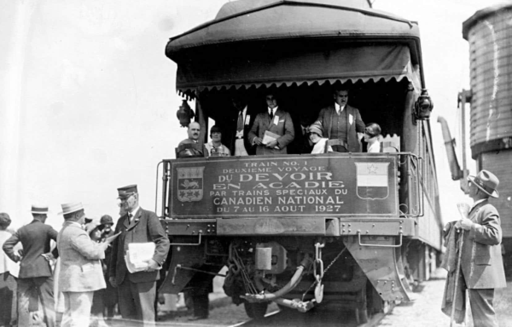 Bourassa et les amis du Devoir organisent des «pèlerinages» en Acadie, en Ontario, dans l'Ouest canadien et même en Nouvelle-Angleterre.