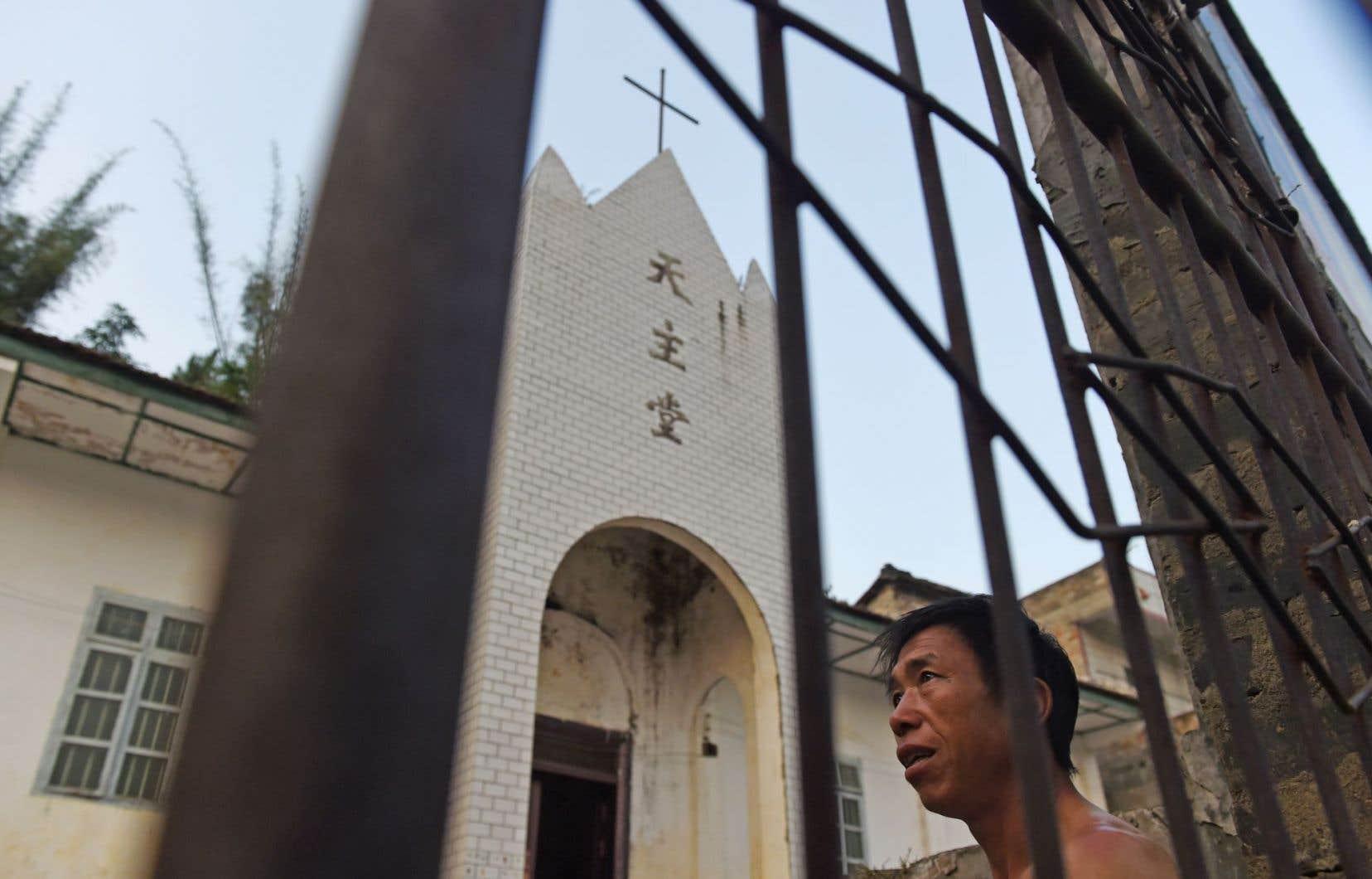 Dans le village de Changjing, où Chapdelaine a vécu et prêché, à quelques kilomètres de Dingan, la population, qui reste majoritairement catholique, se dit abasourdie par les récentes initiatives gouvernementales pour incriminer Chapdelaine.
