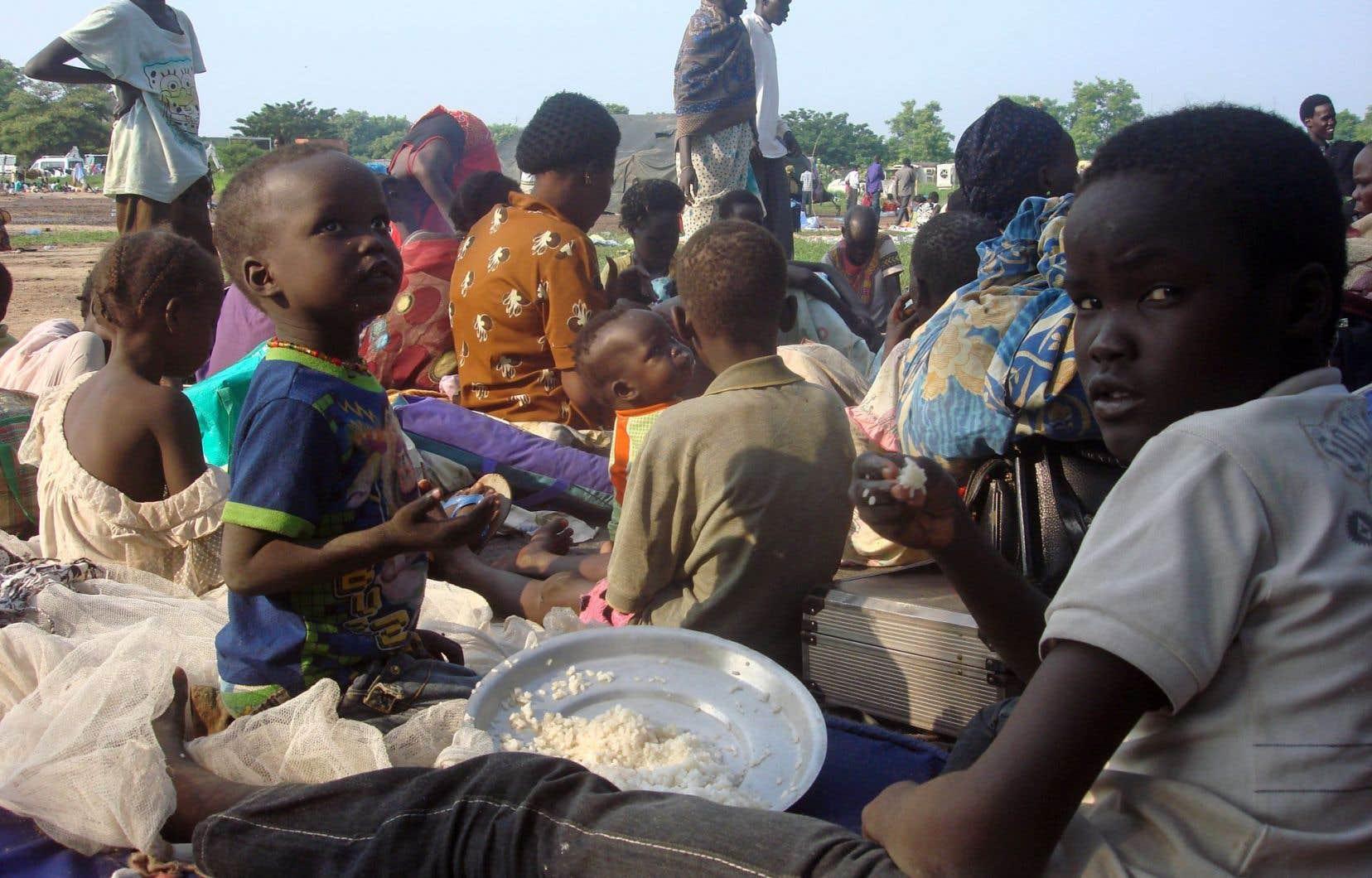Environ 3000 Sud-Soudanais ont trouvé refuge dans un camp de l'ONU situé à proximité de Juba, la capitale du Soudan du Sud.