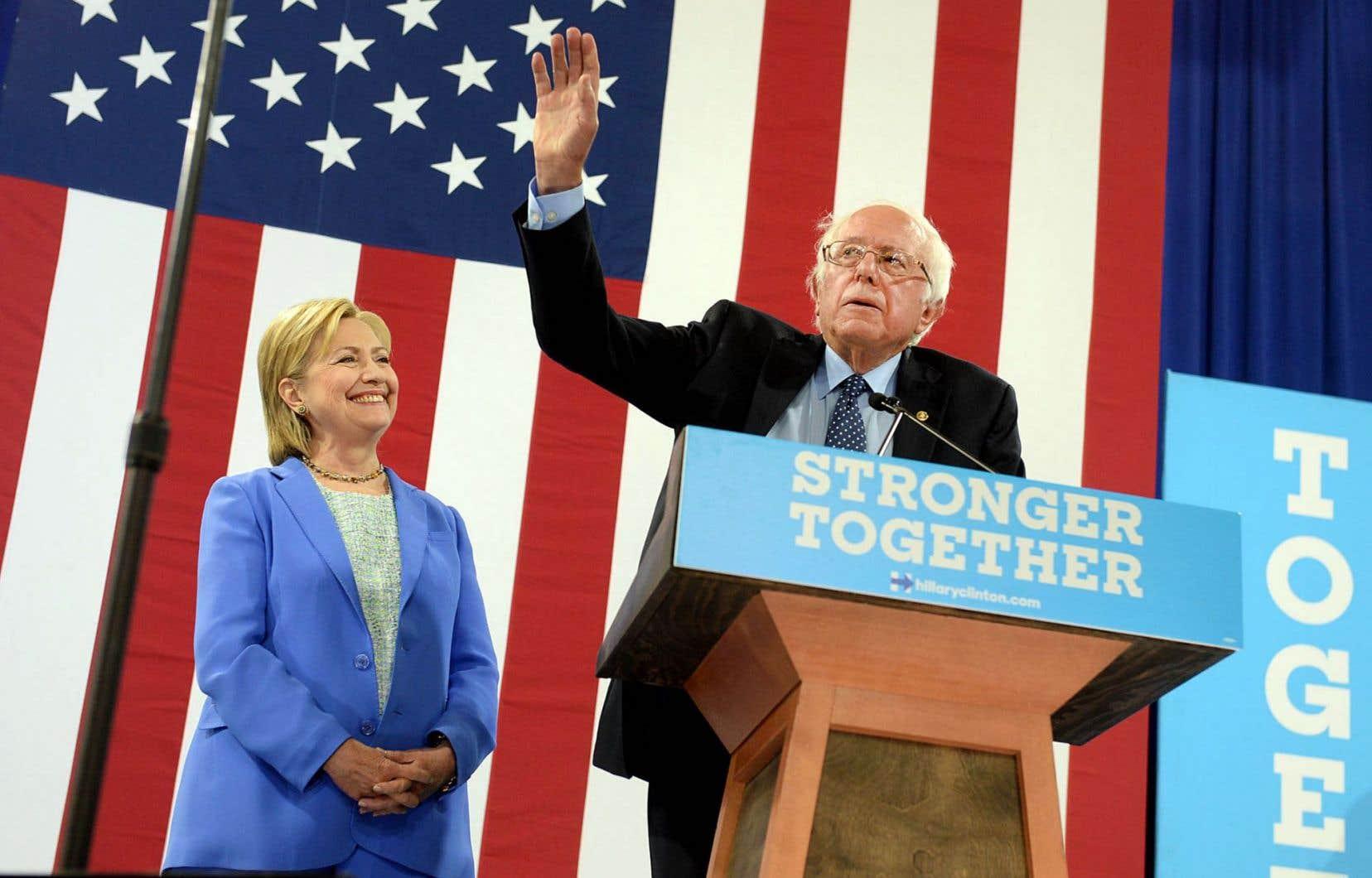 Hillary Clinton et Bernie Sanders étaient réunis mardi au New Hampshire pour la première fois en campagne présidentielle.