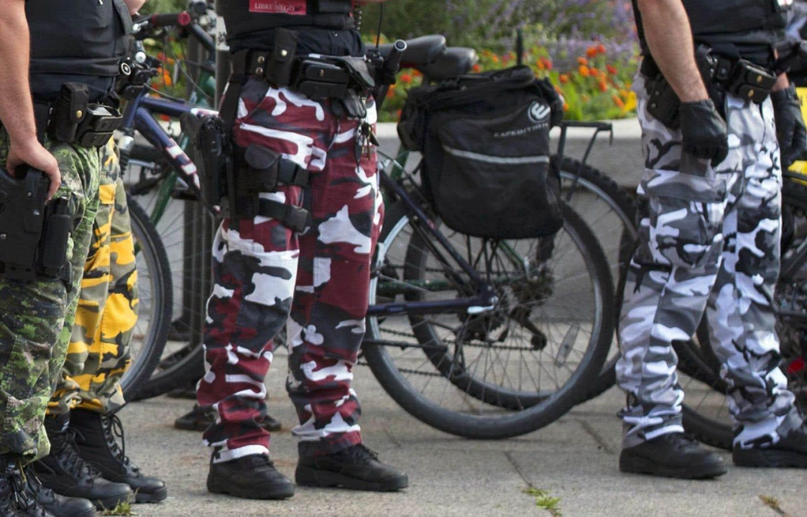 Le Syndicat des constables spéciaux du gouvernement du Québec a accepté de revenir au port de l'uniforme normal jusqu'à l'automne.