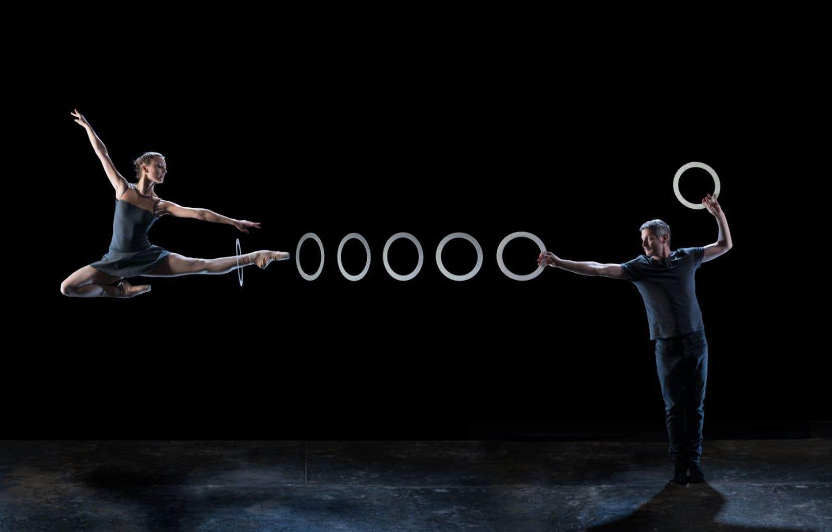 Dans la nouvelle création du cirque Gandini Juggling, les fruits ont été remplacés par des balles, des quilles et des anneaux, et la danse moderne par le ballet classique.