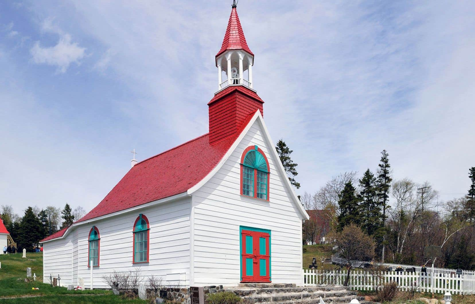 La chapelle de Tadoussac, construite entre1747 et1750, est la plus vieille église en bois d'Amérique du Nord.
