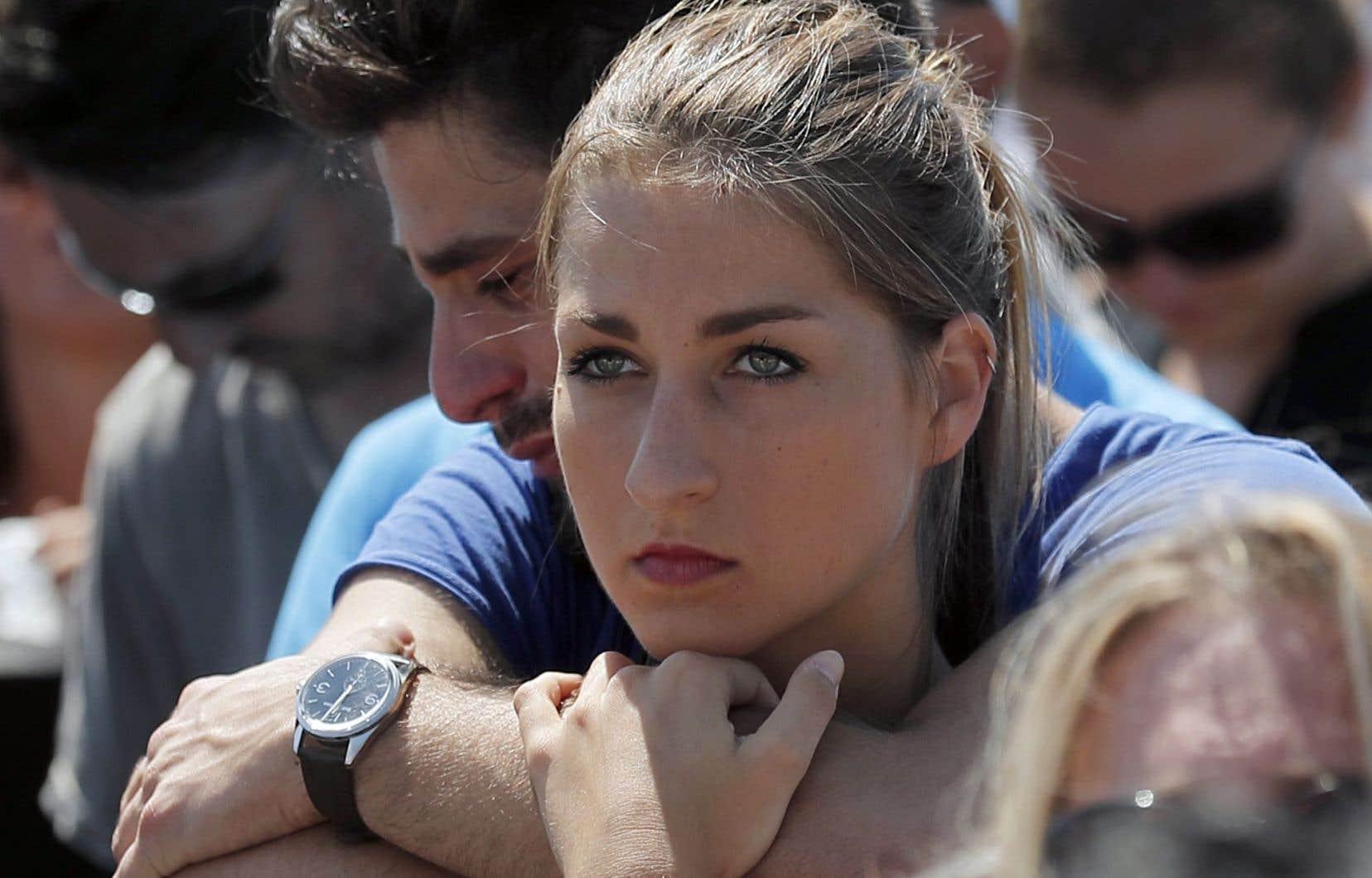 Une minute de silence a été observée à Nice où a eu lieu l'attentat au camion.