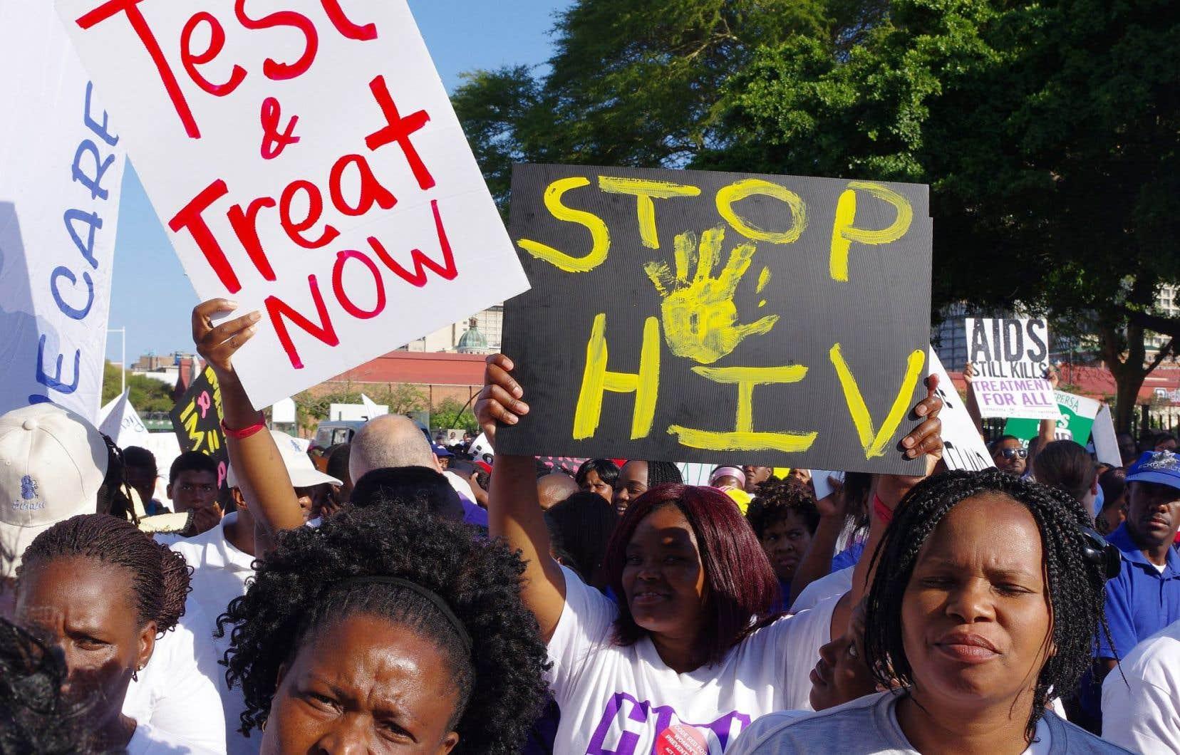 Des manifestations ont eu lieu en marge du congrès pour faire pression sur les décisionnaires.