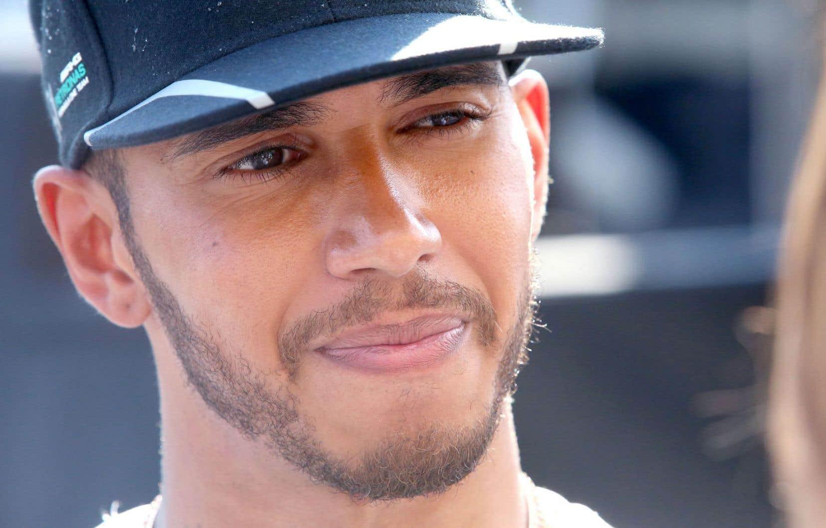 Lewis Hamilton est maintenant en tête du championnat des pilotes.