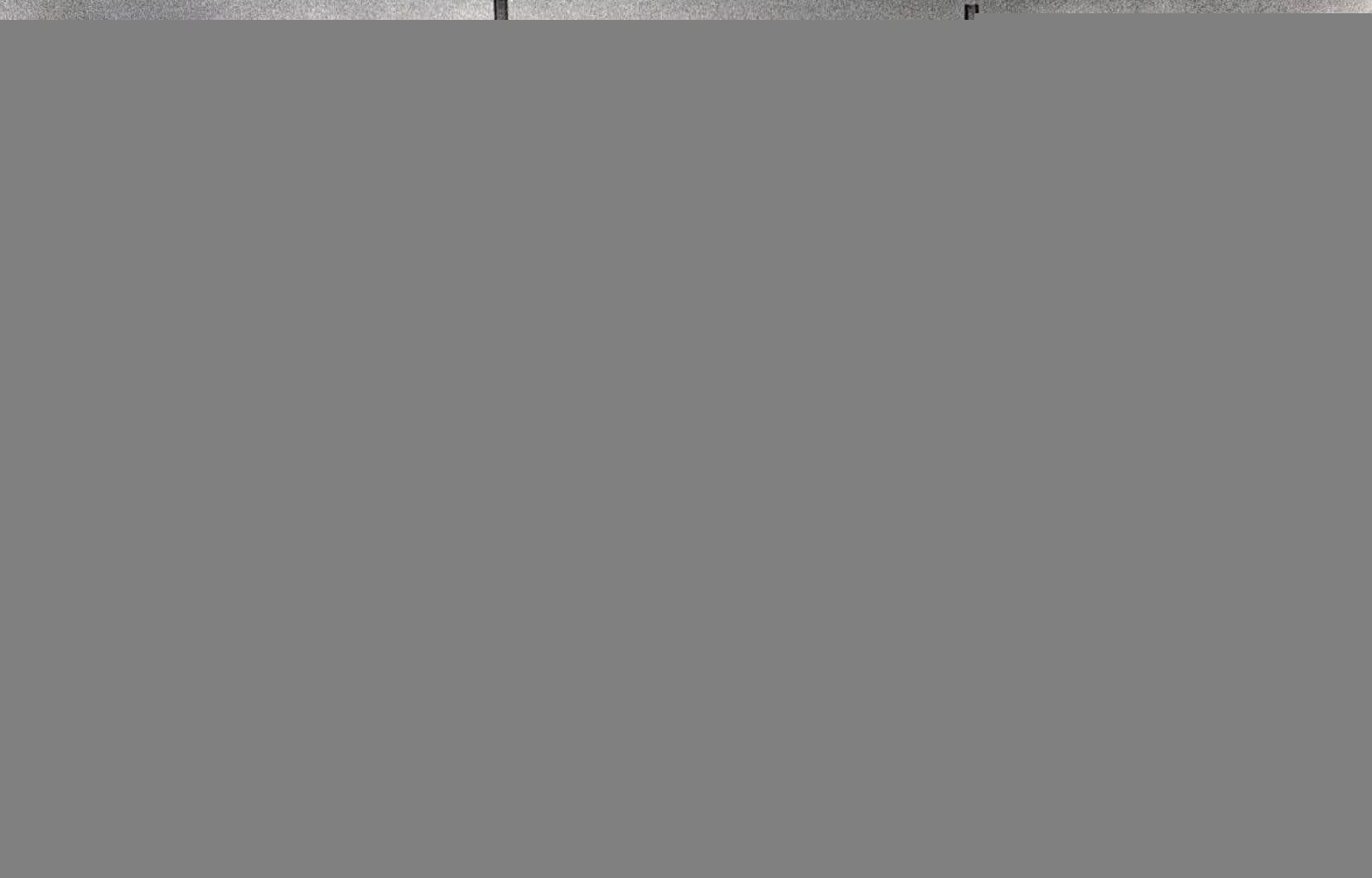Les utilisateurs du pont Champlain devaient passer par un poste de péage sur cette photo prise à Montréal en 1978.