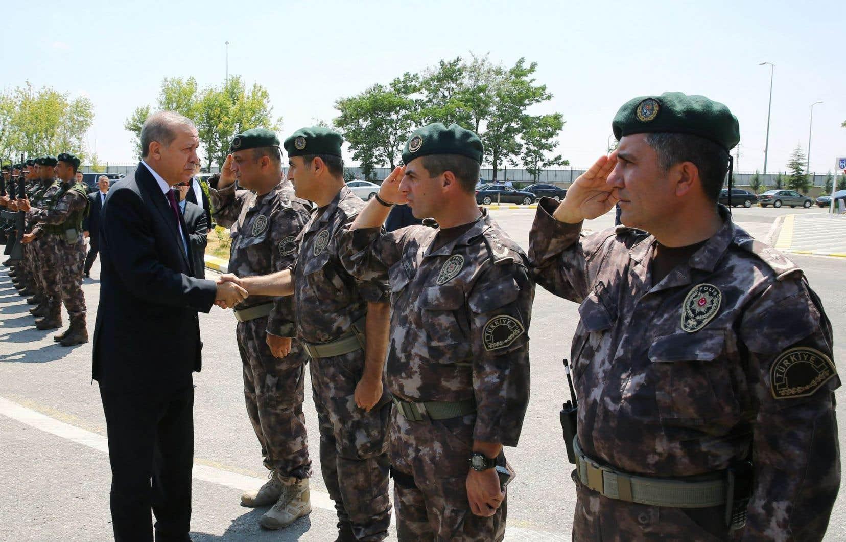 L'armée turque a subi un vaste remaniement après le limogeage de près de la moitié de ses généraux.