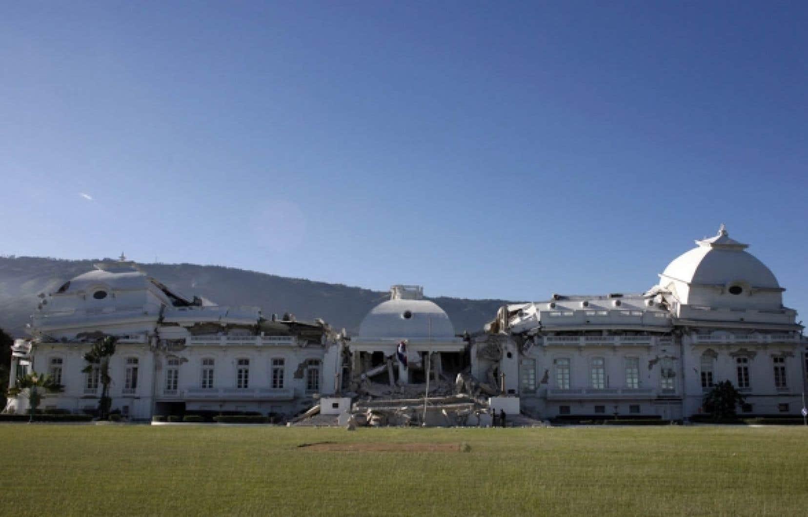 Même le palais présidentiel n'a pas résisté à la secousse sismique.