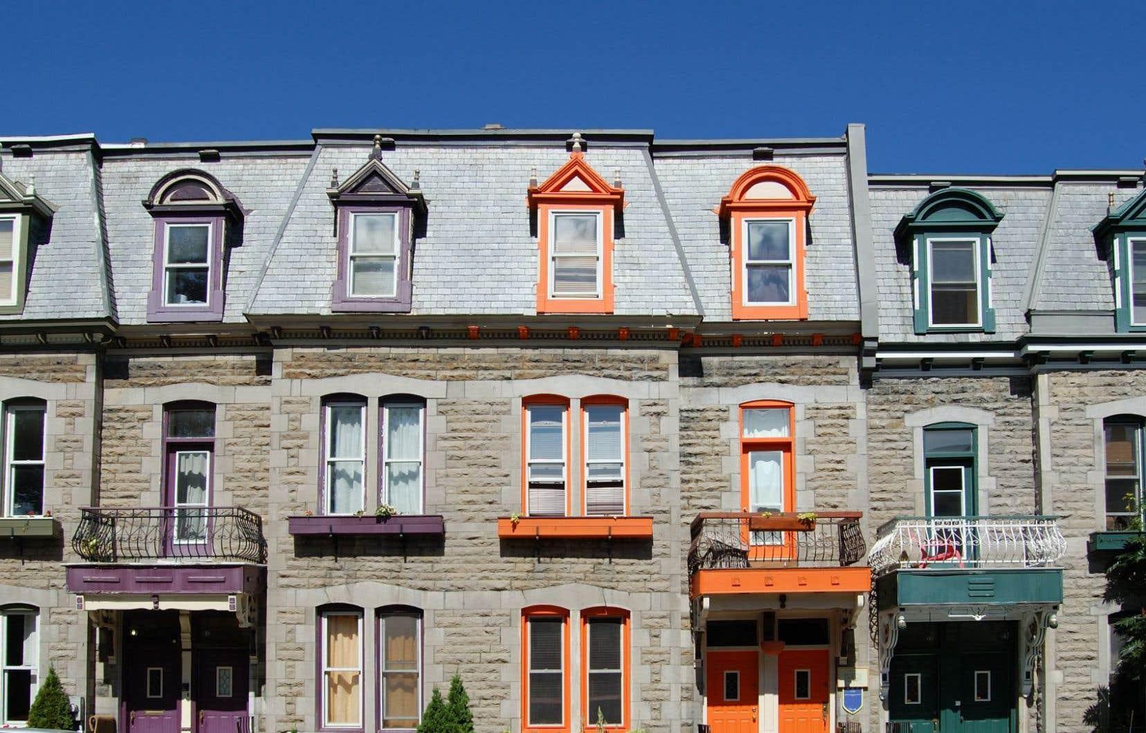 En date de vendredi, le site Airbnb hébergeait pourtant plusieurs milliers d'offres d'hébergement à l'échelle du Québec, le Plateau-Mont-Royal en comptant à lui seul plus de 300.