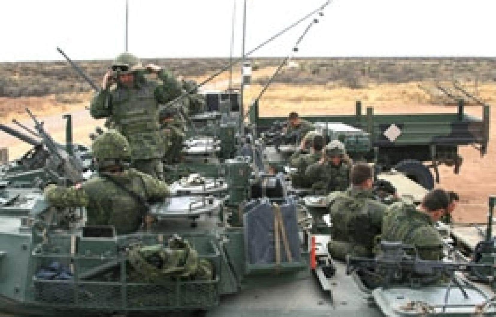 La Compagnie A du 2e Bataillon du Royal 22e Régiment de Valcartier à l'entraînement à Fort Bliss, au Texas. Photo: Alec Castonguay, Le Devoir