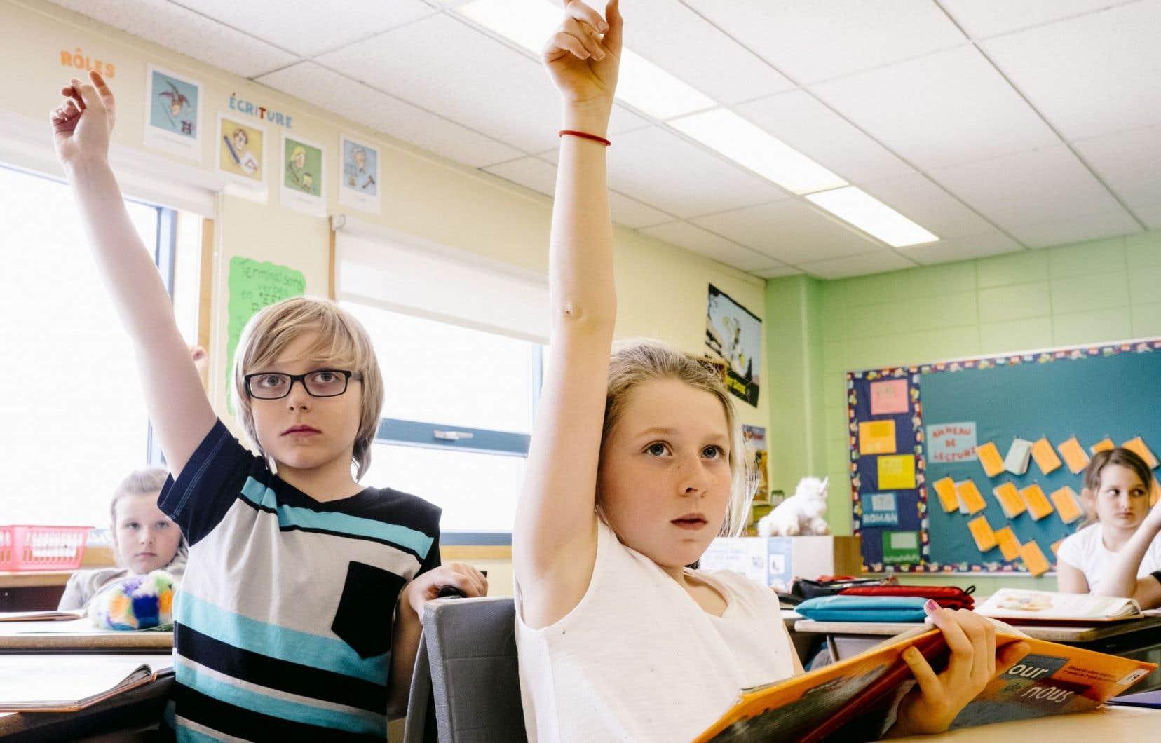 En éducation, les visions s'affrontent sur la meilleure approche à adopter pour les enfants.