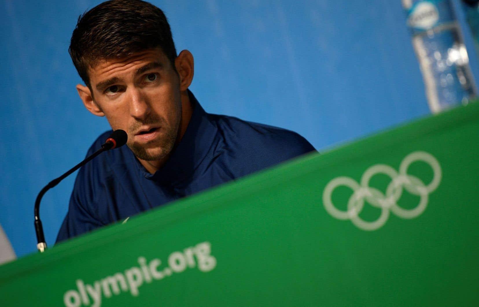 L'illustration la plus évidente est le choix des États-Unis de désigner Michael Phelps pour porter le drapeau du pays, qui aura un contingent de 556 athlètes.