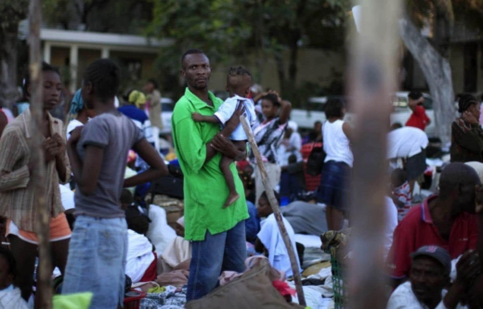Les Haïtiens affirmaient hier ne rien avoir vu des secours annoncés par des dizaines de pays.