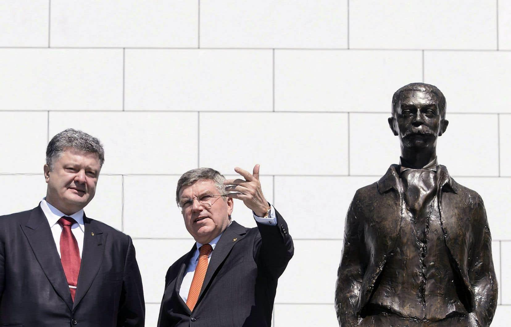 Le président du Comité international olympique (CIO), Thomas Bach, poursuit non sans difficulté l'idéal du baron Pierre de Coubertin.