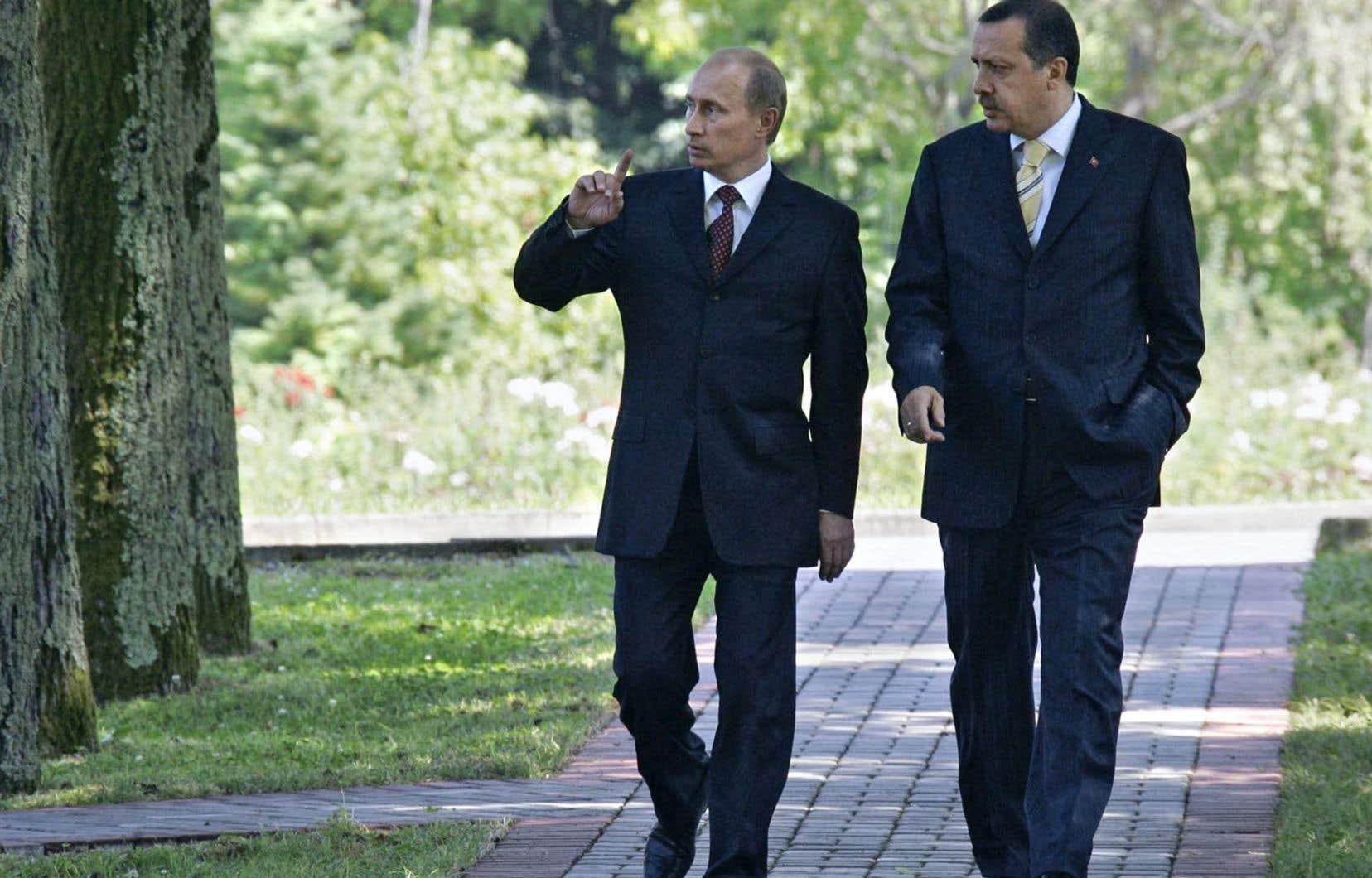 Les relations entre le président russe Vladimir Poutine et son homologue turc Recep Tayyip Erdogan s'étaient passablement détériorées après la destruction d'un bombardier russe en novembre dernier.