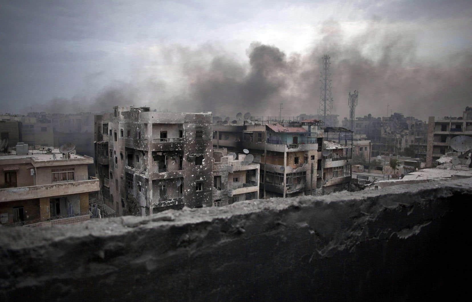 Des centaines de milliers de civils sont désormais pris au piège à Alep avec notamment d'importantes pénuries et une flambée des prix.