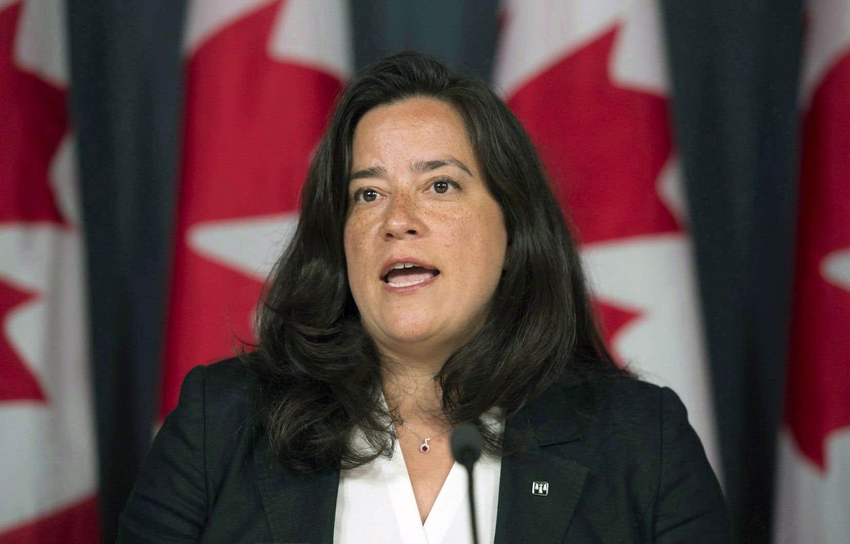 «Il faut comprendre des arguments oraux et écrits sans interprète», a soutenu la ministre de la Justice, Jody Wilson-Raybould.