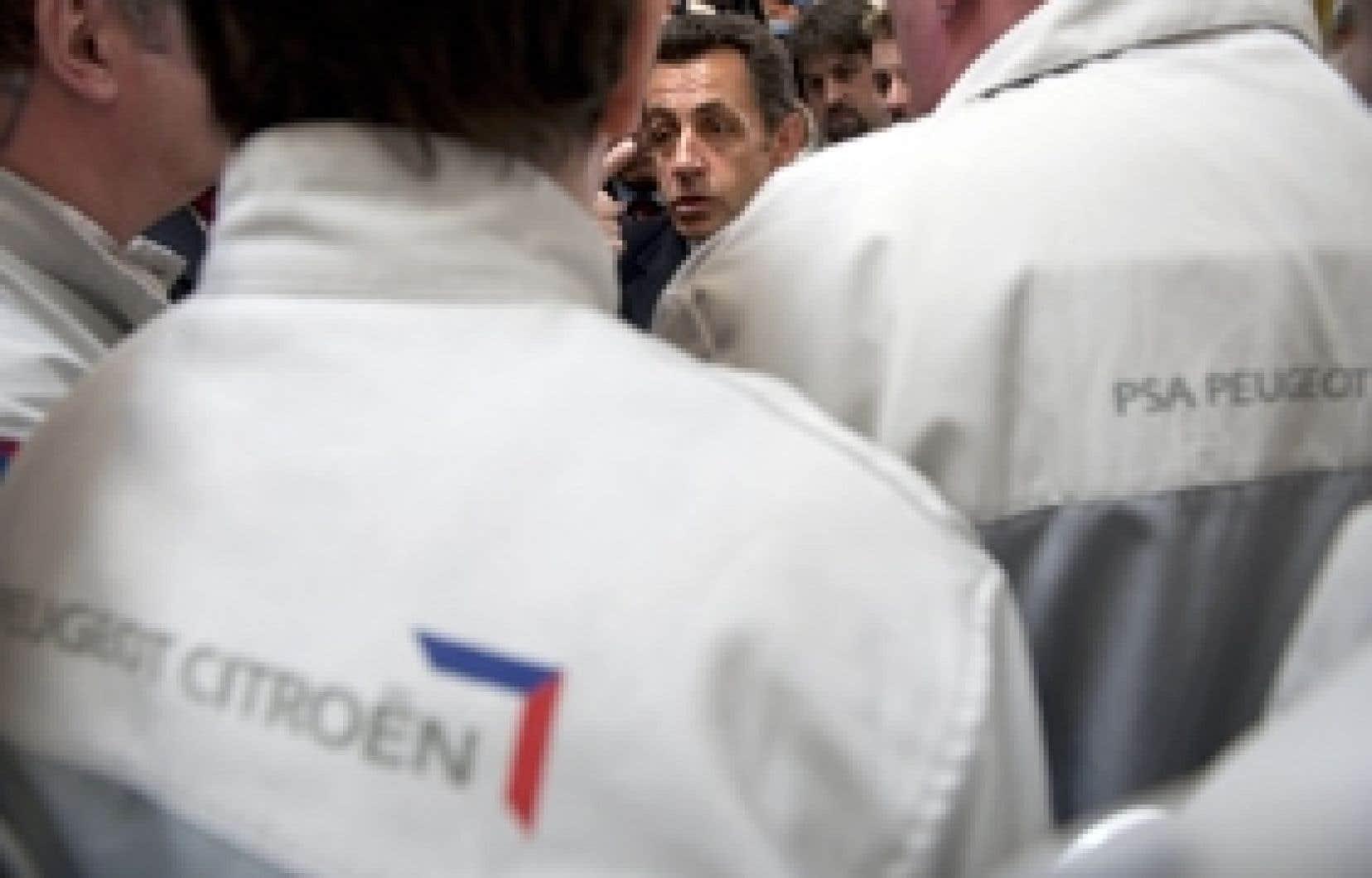 De passage à Vesoul la semaine dernière, où il a notamment discuté avec des employés de l'usine PSA Peugeot Citroen, le président français, Nicolas Sarkozy, a menacé une fois de plus de légiférer si les entreprises ne se plient pas à ses inj