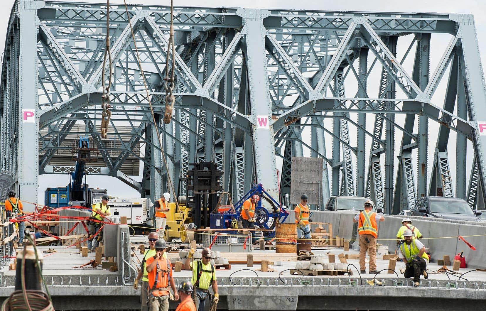 Parmi les grands chantiers en branle dans la métropole, il y a notamment celui du pont Mercier.