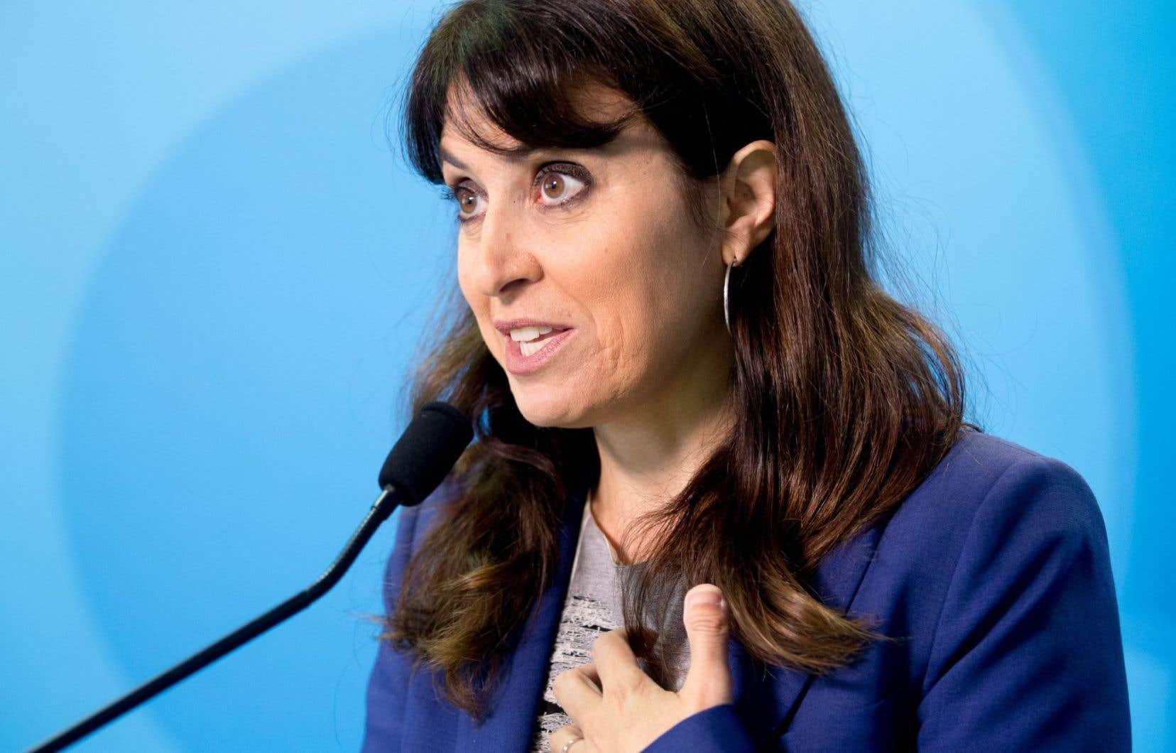 Véronique Hivon, en pleine campagne pour la chefferie du Parti québécois, a été mise en arrêt temporairement.
