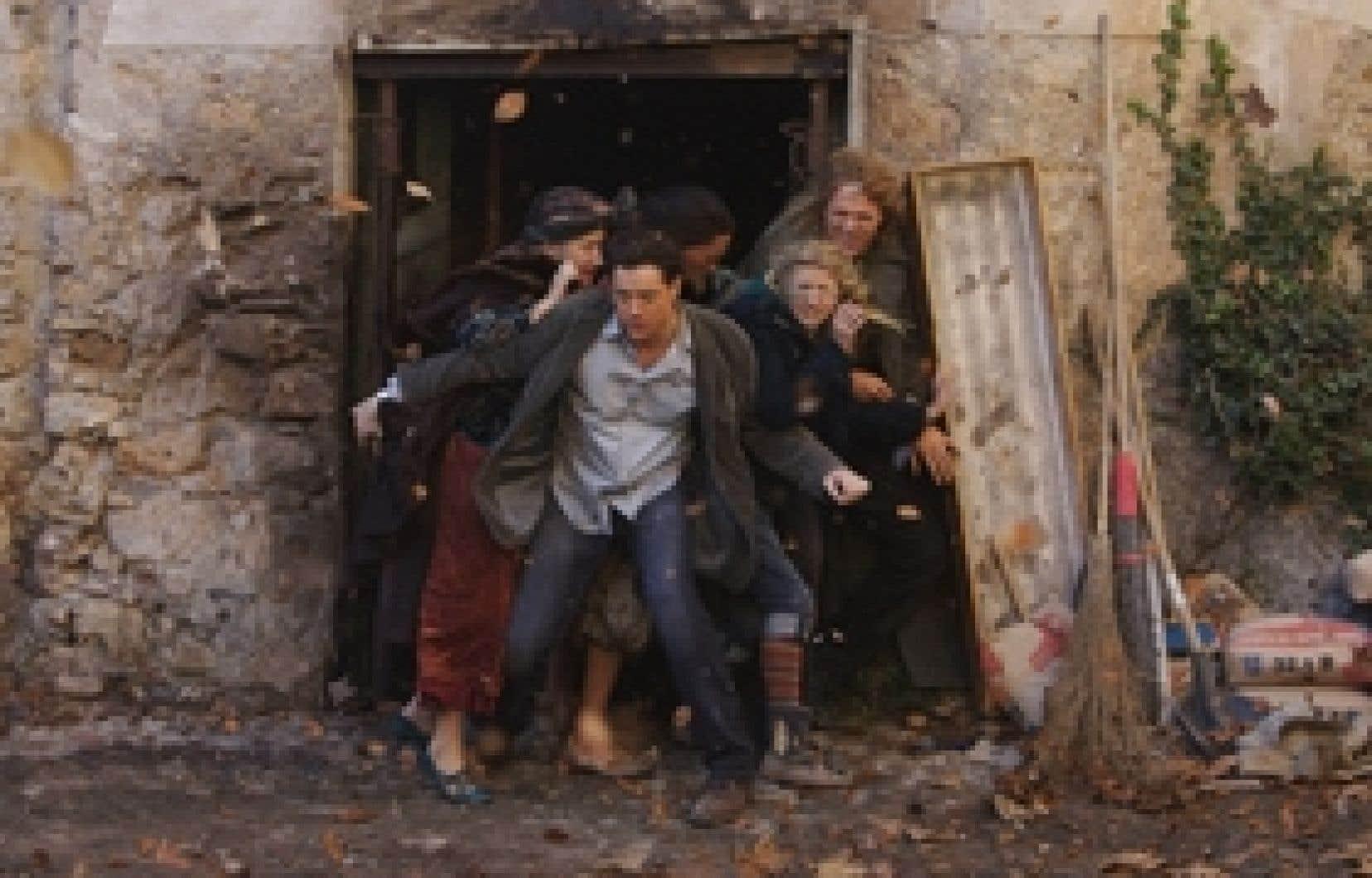 En portant à l'écran le roman touffu de Cornelia Funke, le réalisateur Iain Softley court comme une poule sans tête et semble tout du long ne pas savoir dans quelle direction.