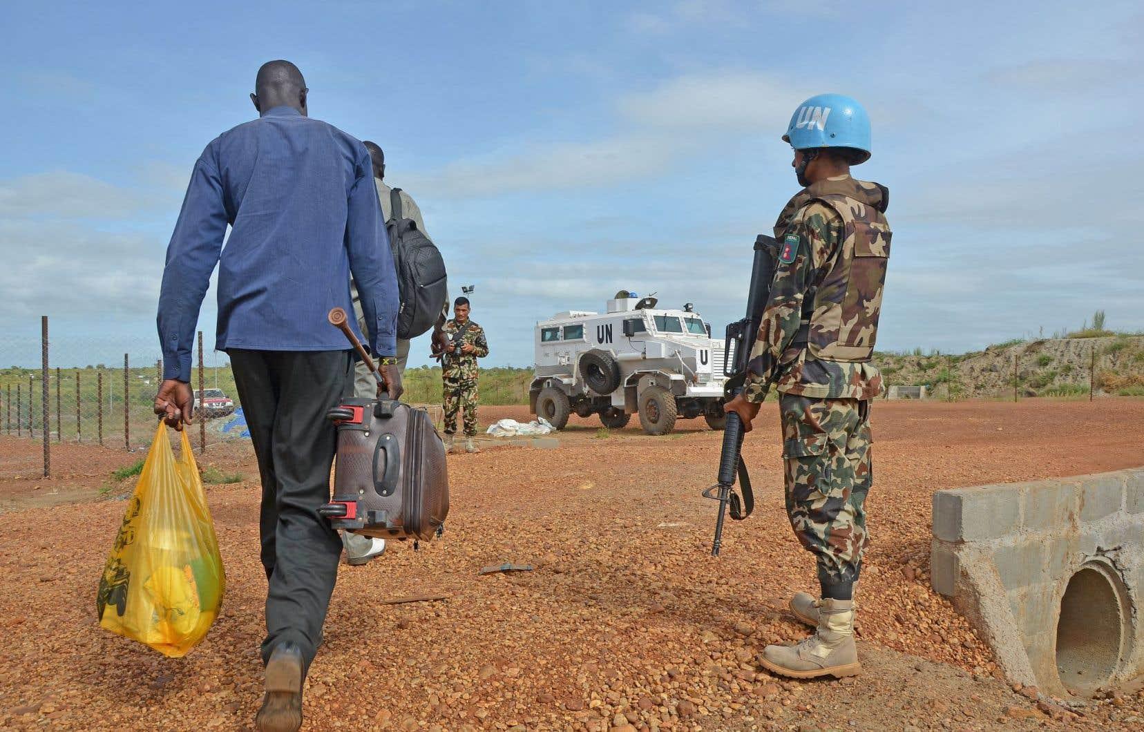 Un soldat des opérations de maintien de la paix de l'ONU à Juba, au Soudan du Sud, en 2014.