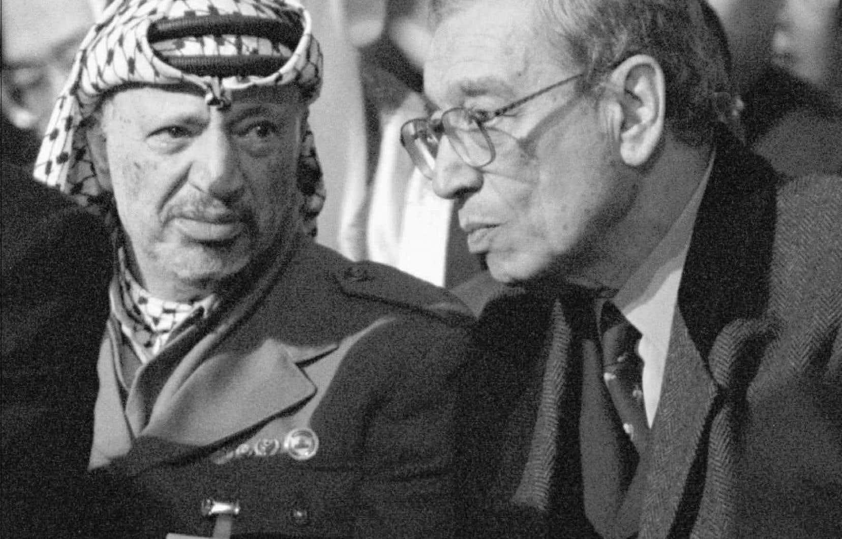 Le leader de l'autorité palestinienne, Yasser Arafat, et le sixième secrétaire général de l'ONU, Boutros Boutros-Ghali, en janvier 1996
